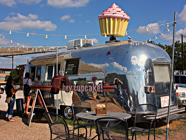 hey-cupcake-airstream