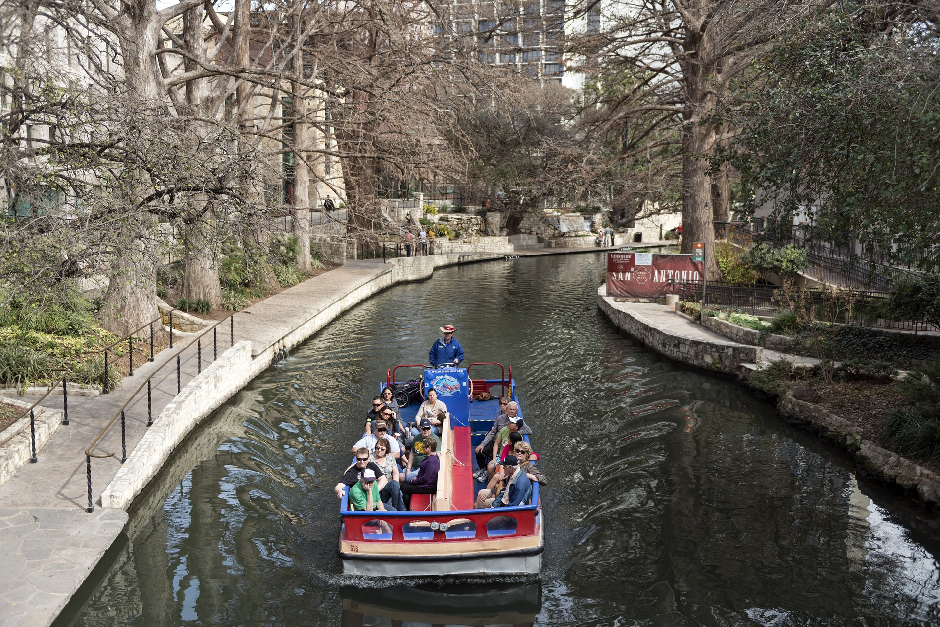 Long a tourist destination, the 14 miles of the San Antonio river walk are the perfect place for an exciting and fun-filled wedding weekend.